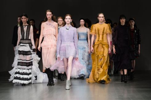 Bora-Aksu-show-Runway-Fall-Winter-2018-London-Fashion-Week-UK-16-Feb-2018